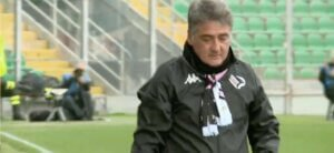 Yellow card Boscaglia coach